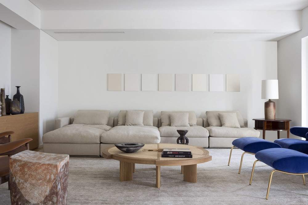 Penthouse Apartment in Lisbon Features Neutral Tones and Wood Finishings