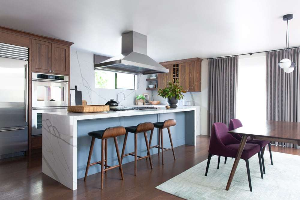 A Bright and Modern Kitchen for a Multi-Generational Home