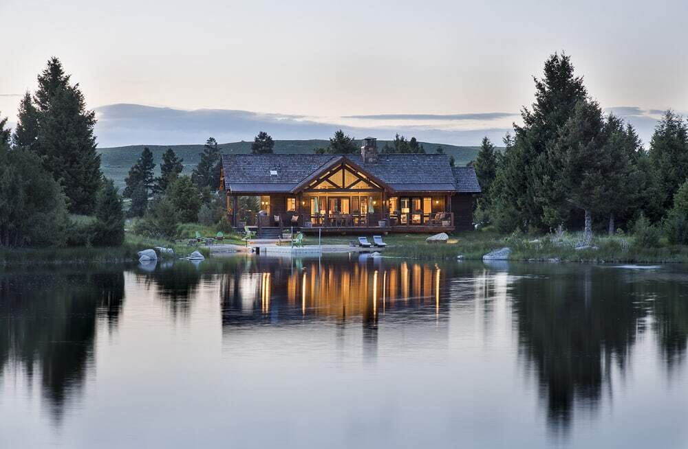 Rock Creek Cattle Company - Lake Cabin in Deer Lodge, Montana
