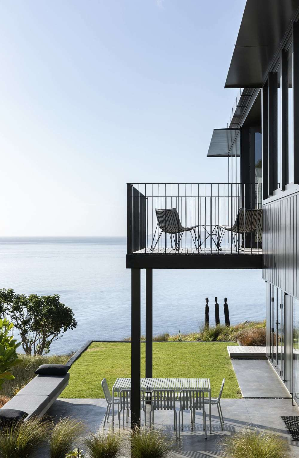 Reef House by Strachan Group Architects