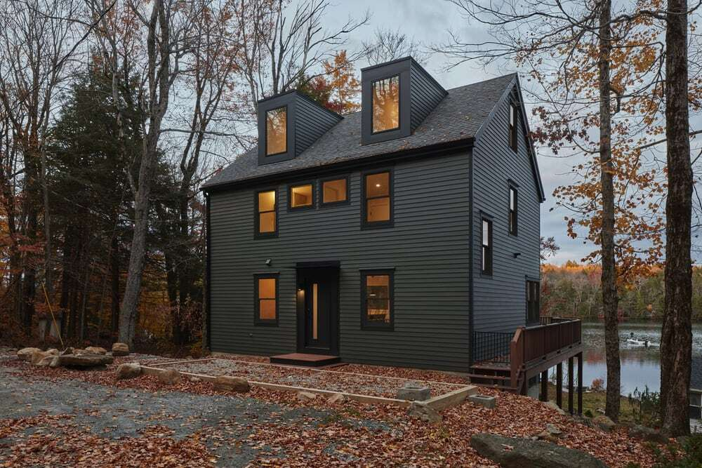 House with a Curved Stair / Primary Projects