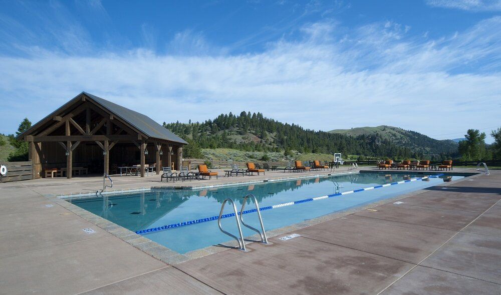 Pool & Game Barn Complex in Deer Lodge, Montana / Cushing Terrell