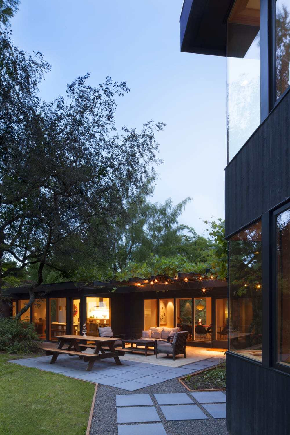Meschter Residence by Skylab Architecture