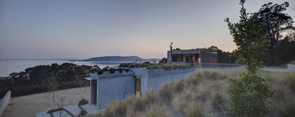 Wallis Lake House by Matthew Woodward Architecture