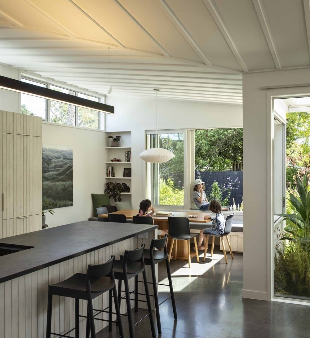 Lean on Me House by Strachan Group Architects