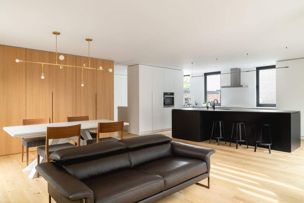 10th Avenue Duplex by Paul Bernier Architecte