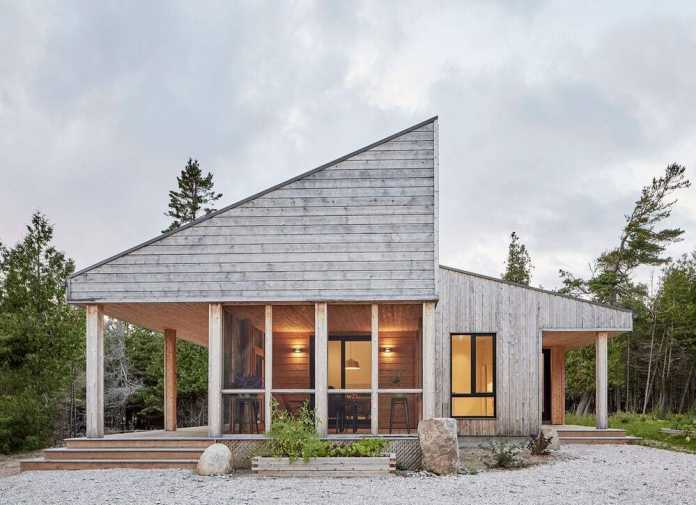 Manitoulin Island Off-Grid House by Solares Architecture