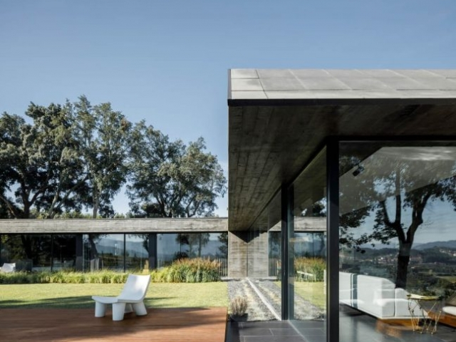 Cork Oak House by Hugo Pereira Arquitetos