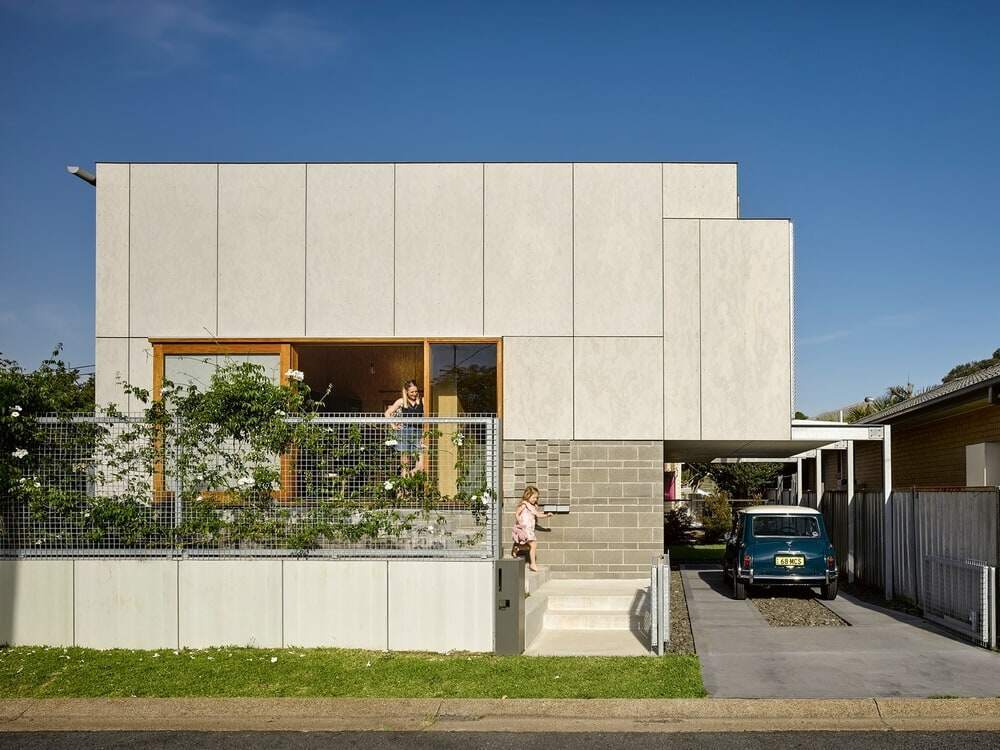 Waratah Secondary House by Anthrosite Architects