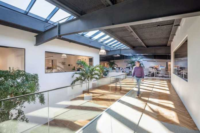 Metaform Architects Transforms Luxembourg Warehouse into Light-Filled Workspace