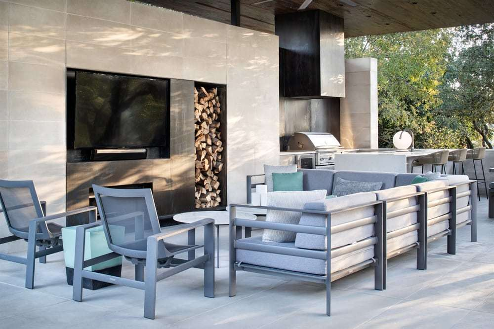 Longchamp Outdoor Living - New Construction Pool and Exterior Pavilion