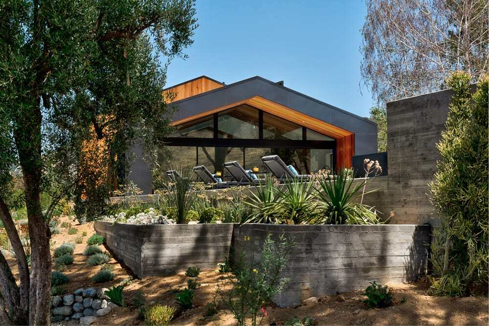 Saddle Peak Residence by AUX Architecture