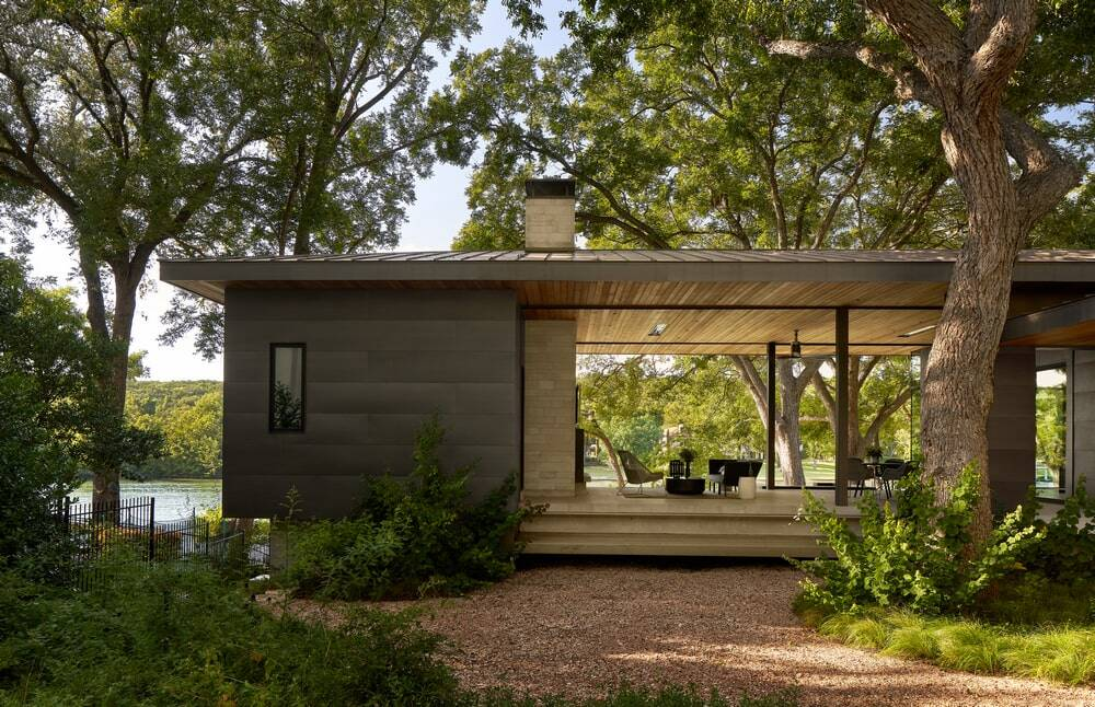 A Vintage Lake Austin Home with a Hexagon View by LaRue Architects / Britt Design Group
