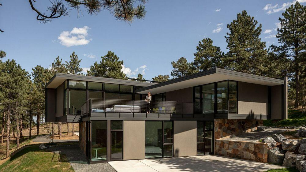 Blackened Steel Modernist Home in Boulder by Arch11