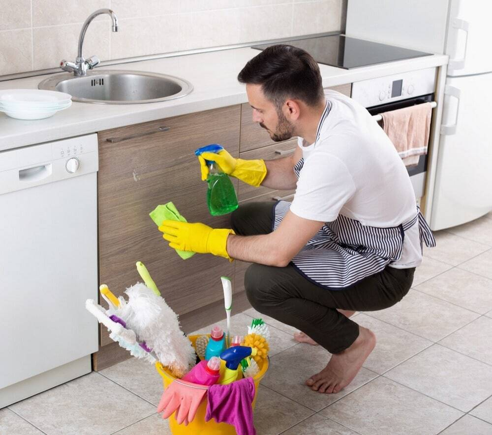 5 Easy Ways To Deep Clean Your Kitchen Cabinets