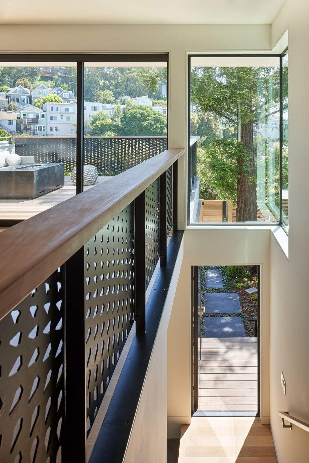 Pinales House, San Francisco by Schwartz and Architecture