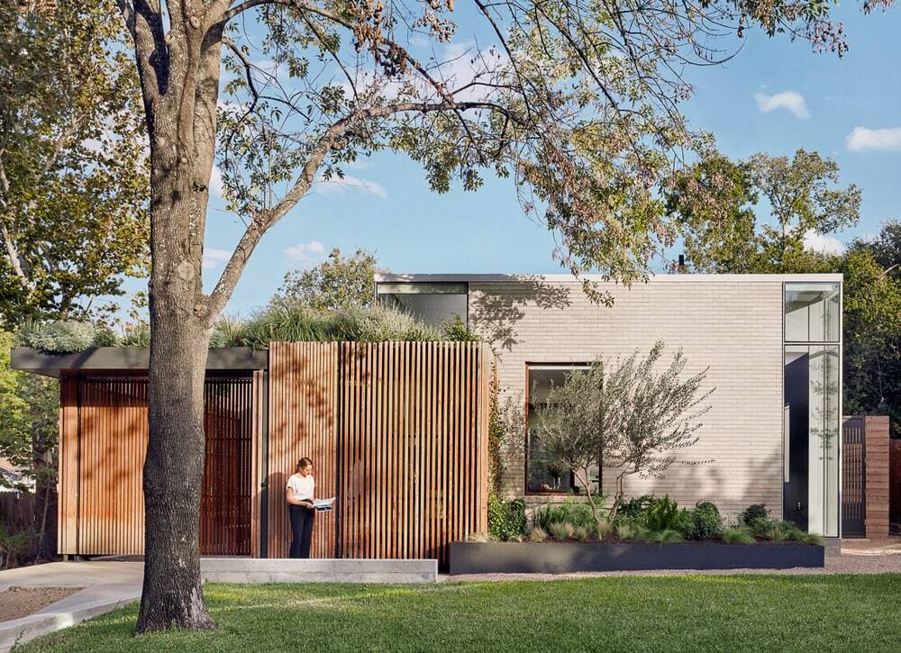 Hemlock Ave. House by Chioco Design
