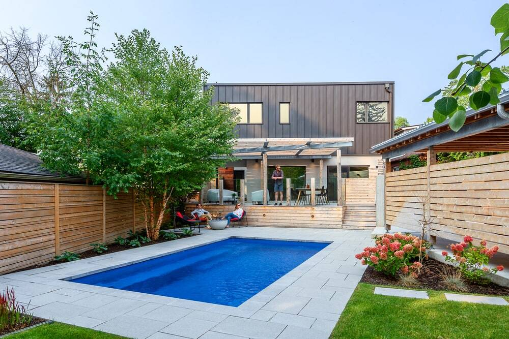 A Backyard Oasis Designed for Relaxation and Entertaining